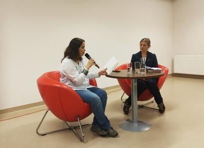 """Spotkanie autorskie zBarbarą Sadurską wokół książki """"Mapa"""""""