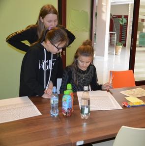 Uczniowie ze szkoły w Gnojniku w krainie legend