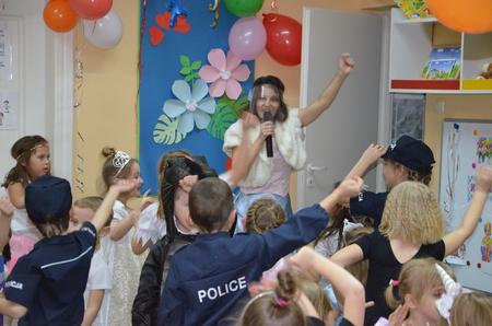 Na balu karnawałowym w przedszkolu