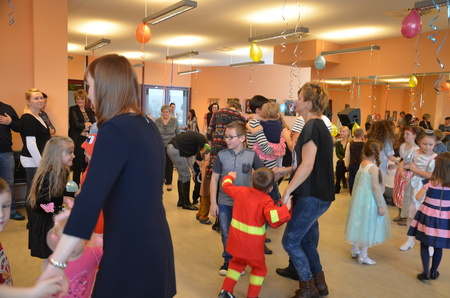 Bajkowy Bal Przebierańców w Oddziale dla Dzieci